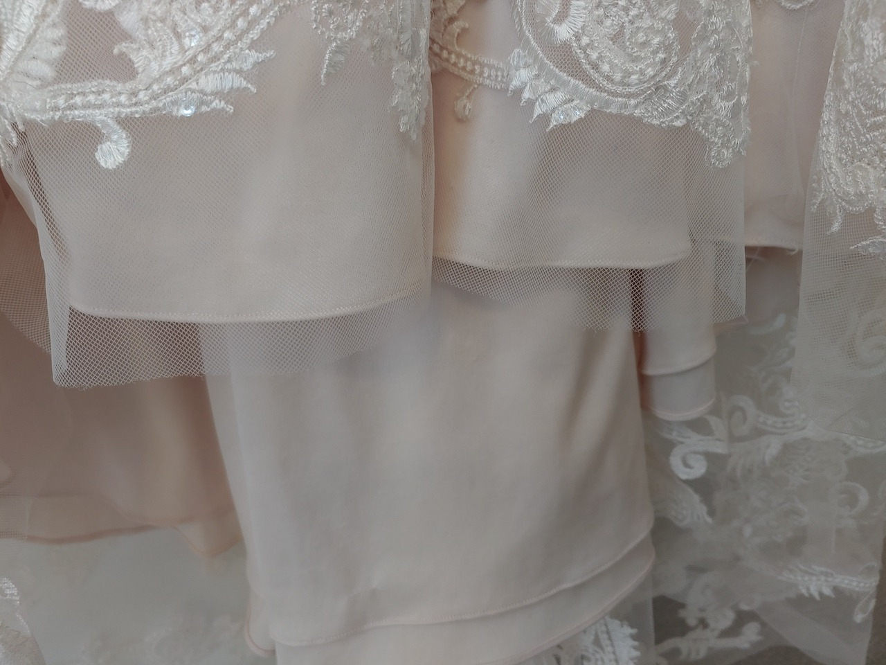 lace with flower patterns